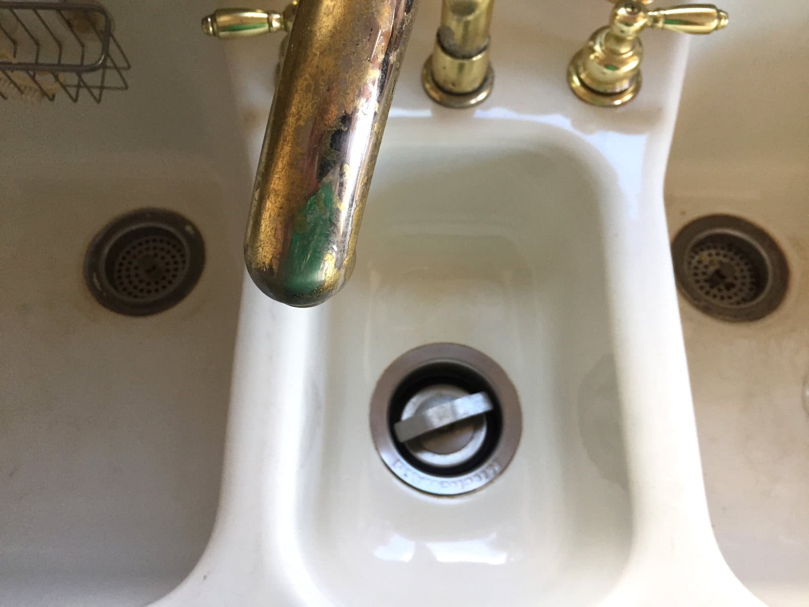 kitchen garbage disposal inlet